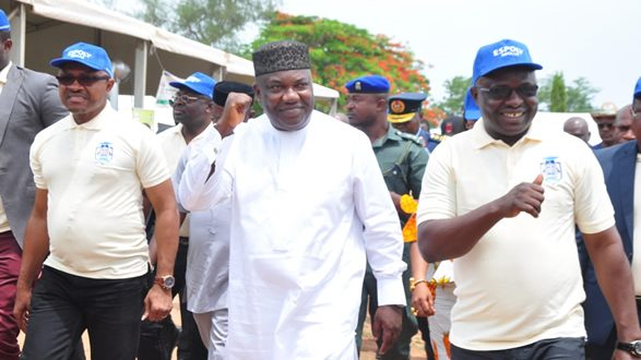 Gov. Ugwuanyi Grants Scholarship to 340 Indigent Students of ESPOLY